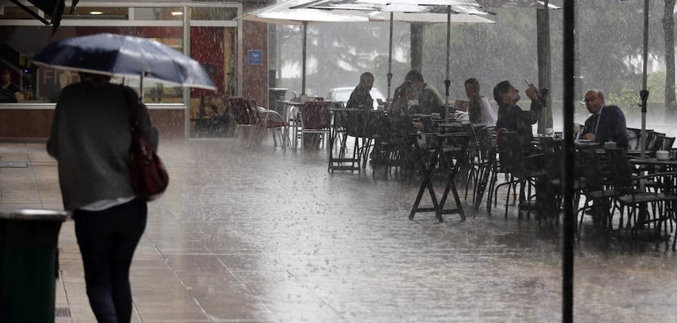 Asturias acaba la semana con tormentas y desplome de las temperaturas