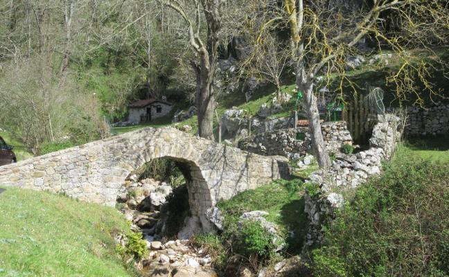 Por los puentes de piedra de Cabrales