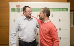 Barbón apela «a la responsabilidad» para respaldar la moción de censura contra Rajoy