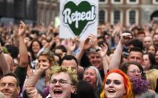 Irlanda vota por amplia mayoría por legislar el aborto
