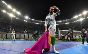 Sergio Ramos, el primer capitán blanco que levanta tres 'orejonas'