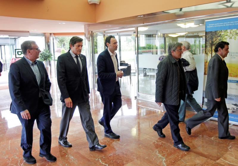 El presidente del Principado despide al exconsejero Rafael Sariego