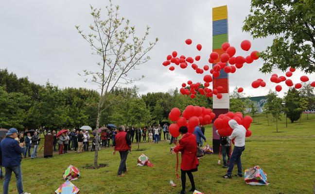 Juntos contra el sida por el Bosque de la Memoria