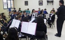 'Uniendo los barrios' con música en Colloto