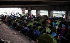 Evacuado un campamento con más de 1.500 inmigrantes en París