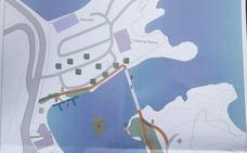 La bahía de Perán: una playa con pantalanes y trampolines
