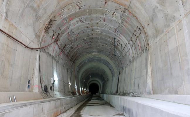 Once empresas optan al montaje de las vías en la variante de Pajares