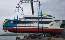 Gondán entrega el tercer catamarán a Balearia
