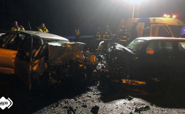 Un kamikaze provoca un brutal accidente con una joven herida en Villaviciosa