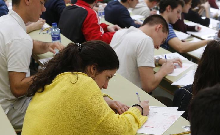 4.004 alumnos asturianos se enfrentan a la EBAU