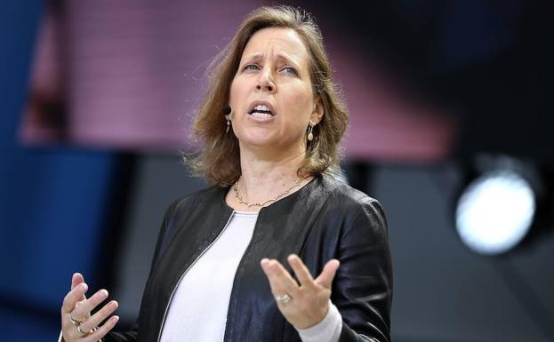 Susan Wojcicki, CEO de YouTube, da una conferencia. /AFP