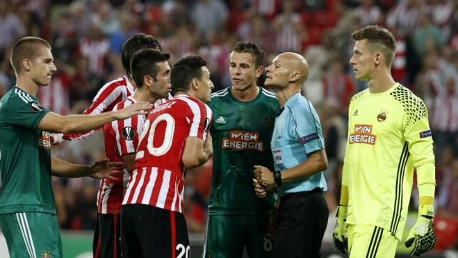 Beñat reconduce al Athletic por Europa