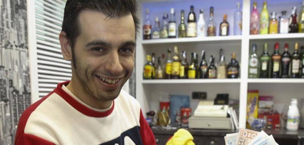 La cafetería Dami, en Gijón, reparte 324.000 euros en la lotería de El Niño