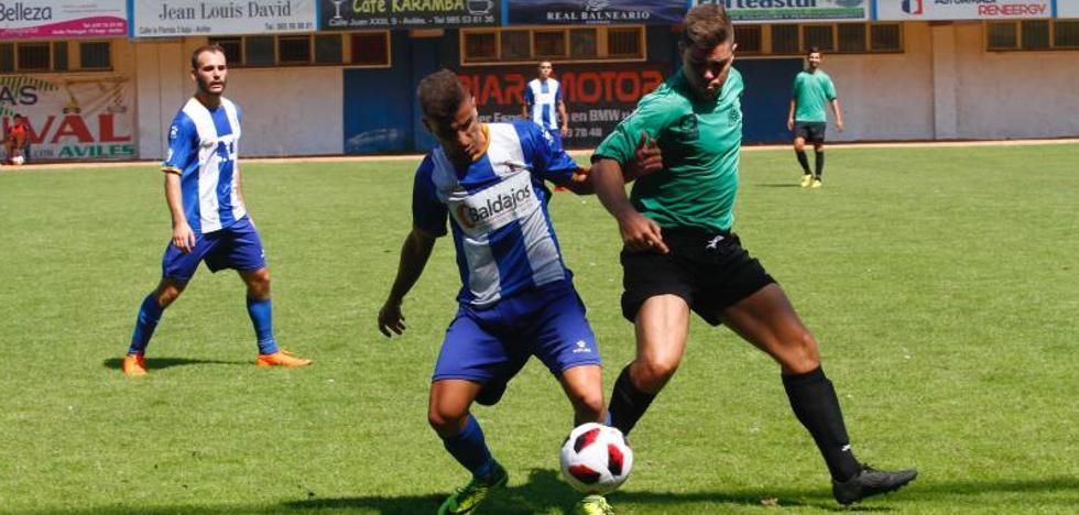Un gol de Marcos, de penalti, decide ante el Universidad