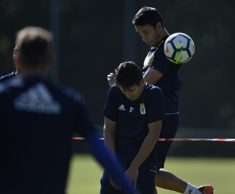 Entrenamiento del Real Oviedo, previo a su partido contra el Reus Deportiu