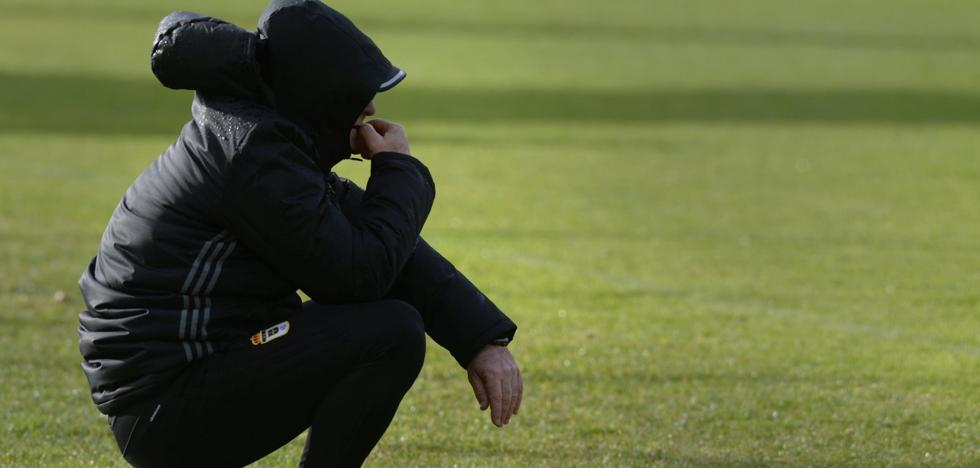 El Real Oviedo sigue buscando un delantero para reforzar la plantilla