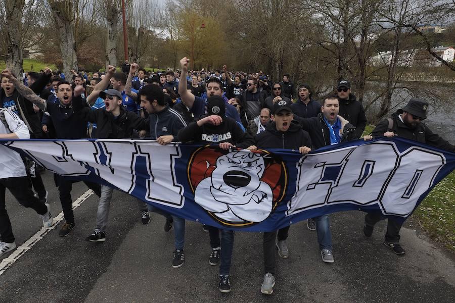 La afición del Real Oviedo conquista Lugo