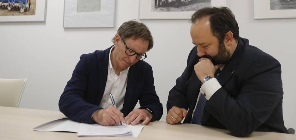 Anquela sella su continuidad en el Real Oviedo