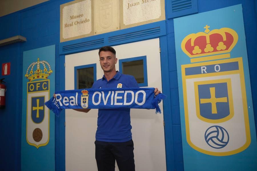 Presentación de Sergio Tejera por el Real Oviedo