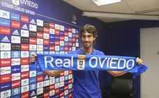 El Real Oviedo añade experiencia a su zaga con Carlos Martínez