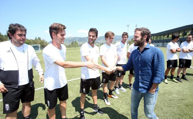 «Sería bonito que los que salimos de aquí pudiéramos volver y disfrutar del Oviedo»