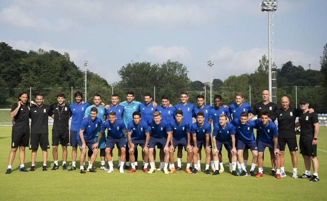 El Real Oviedo ya suda la camiseta