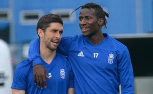 El Real Oviedo vuelve a los entrenamientos con las ausencias de Folch, Aarón y Christian