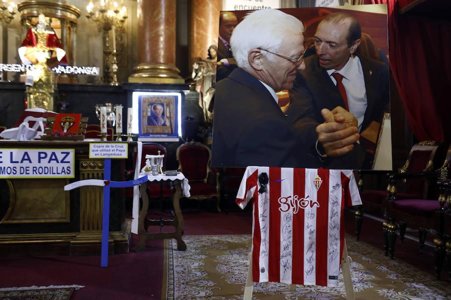 El Padre Ángel oficia una misa en memoria de Quini en Madrid