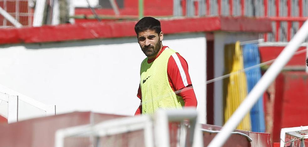 «El Barcelona B no tiene la presión de otros equipos», alerta Carmona