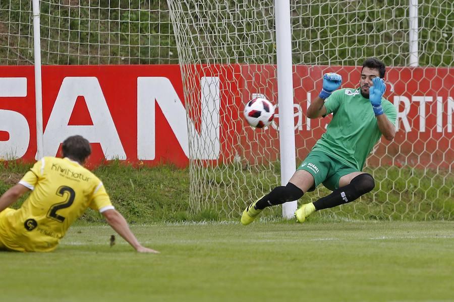 El Sporting B golea al Praviano
