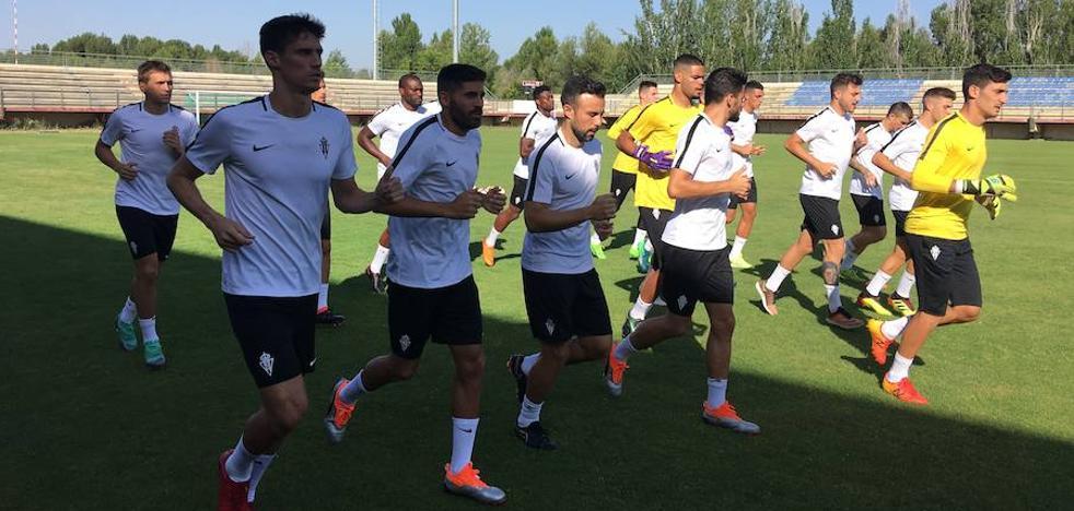 El Sporting se entrena en León antes de viajar a Portugal