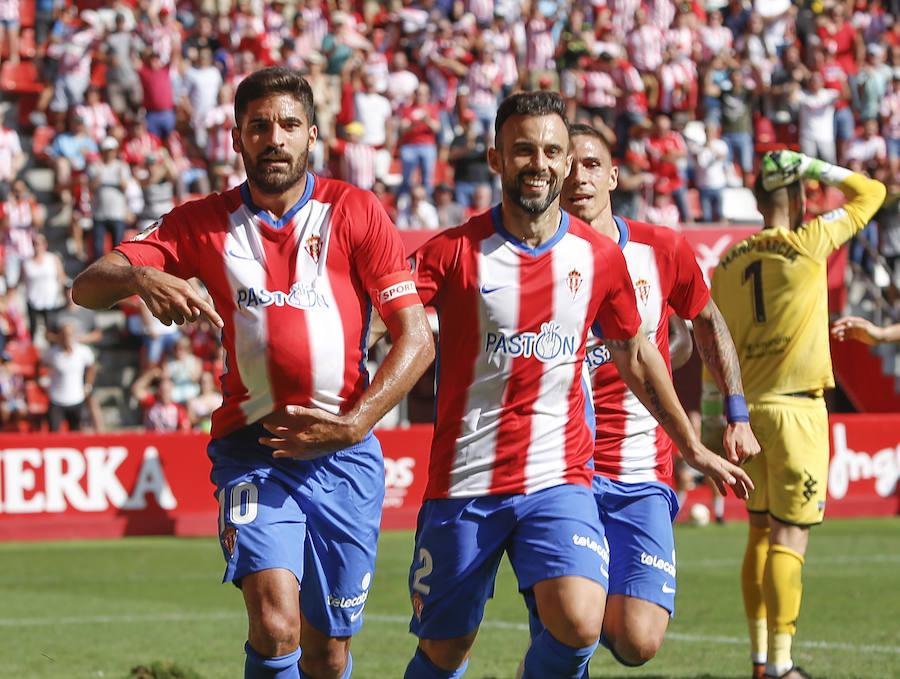 Sporting 2 - 0 Extremadura, en imágenes