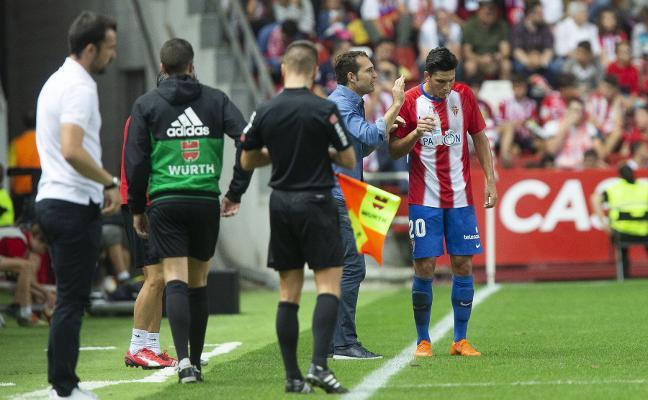 Cristian Salvador sufre una fuerte contusión en el tobillo izquierdo