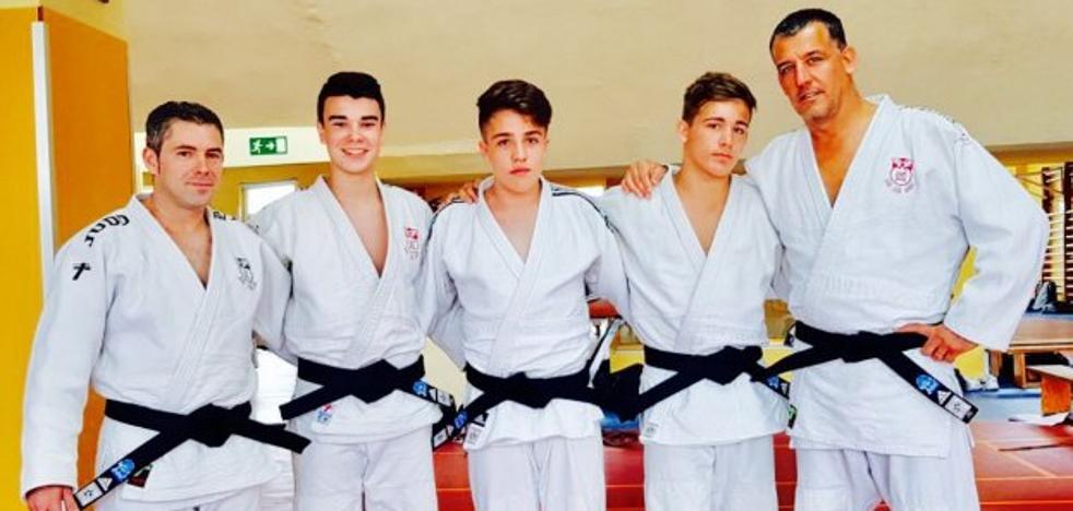 Concluye la liga escolar y nuevos cinturones negros en el Judo Avilés