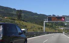 Tráfico colocará conos en la A-8 para evitar retenciones durante el verano en Villaviciosa