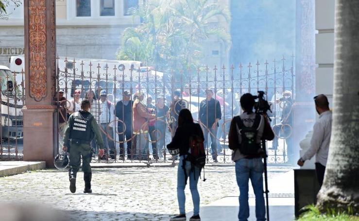 Asalto de seguidores de Maduro a la Asamblea Nacional