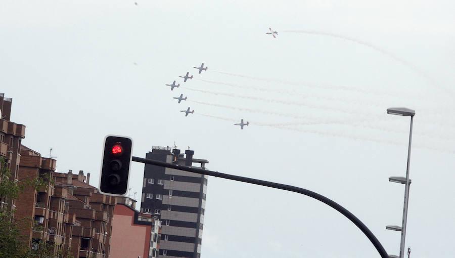 Los aviones del Festival Aéreo ya ensayan en Gijón