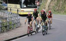 Tráfico reducirá la velocidad en cuatro rutas asturianas usadas por los ciclistas