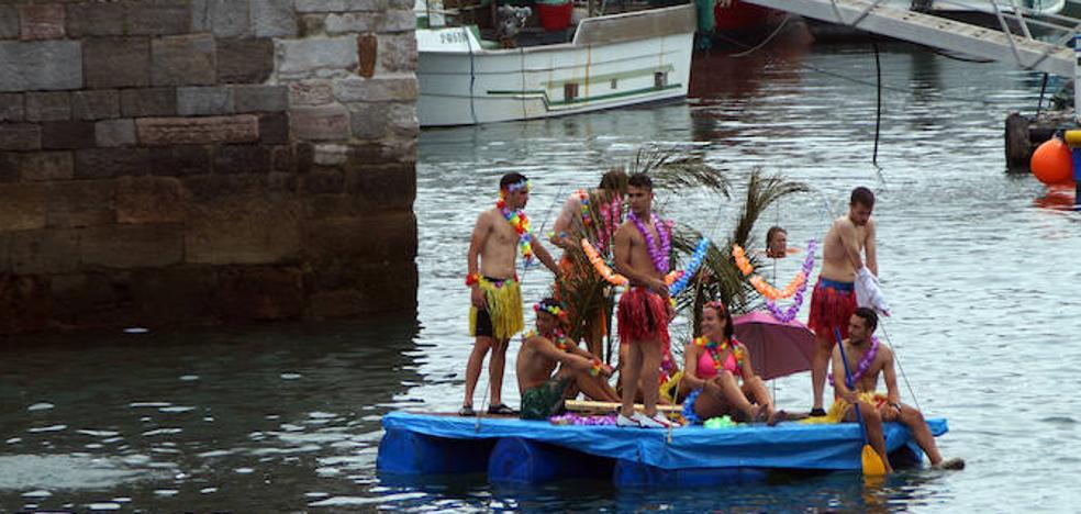 'Les coses que floten' y las charangas ponen color a las fiestas de San Félix en Candás
