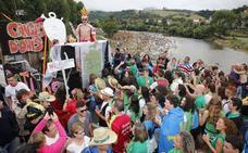 Música y tradición engalanan la fiesta de Les Piragües