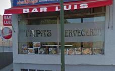 Un hombre mata a un policía municipal en un bar de Madrid