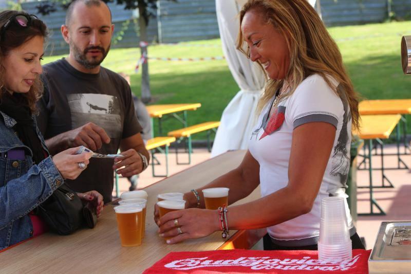 Avilés brinda con cerveza en su festival dedicado a esta bebida