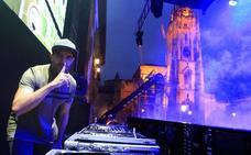 Diez DJ convierten la Catedral en Ibiza
