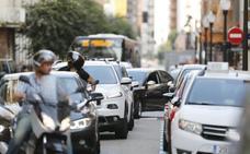 Los cortes por la Vuelta concentraron los atascos en las vías alternativas