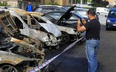 Arden seis coches de madrugada en La Corredoria
