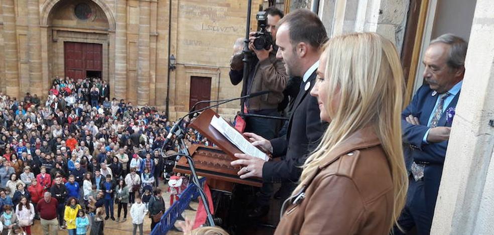 «El Real Oviedo es una puerta a lo mejor que tiene Oviedo: la gente»