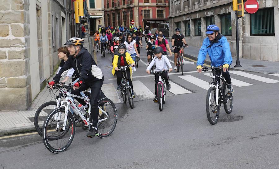Gijón celebra en bici el Día Mundial del Medio Ambiente