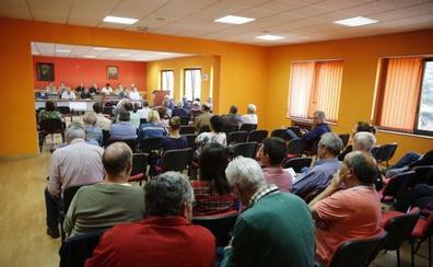 División en las agrupaciones del PSOE sobre la gestión de la ejecutiva de Fernández