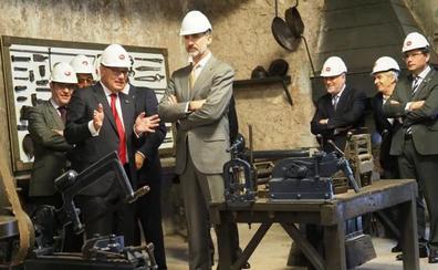 El Rey visita el embrión de Hidroeléctrica del Cantábrico