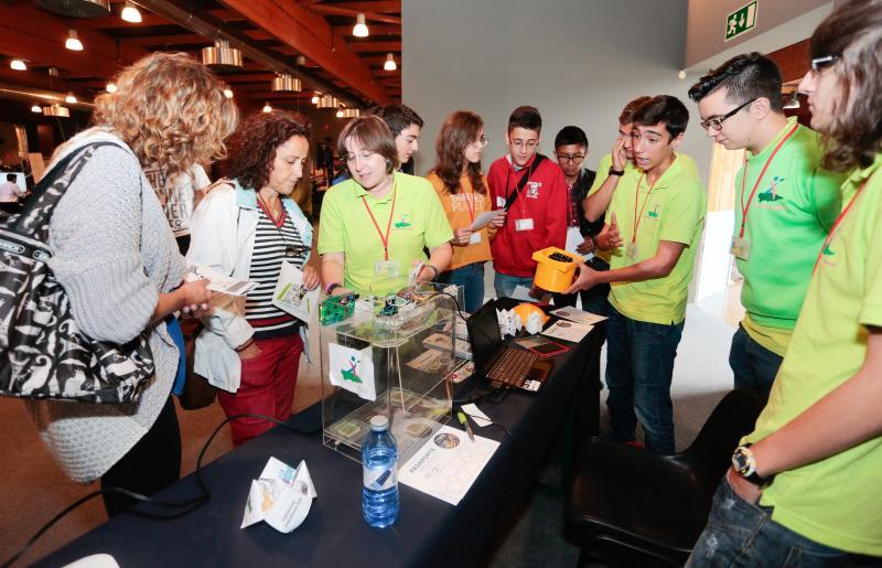 Lleno en la primera Feria de Innovación Educativa de Gijón